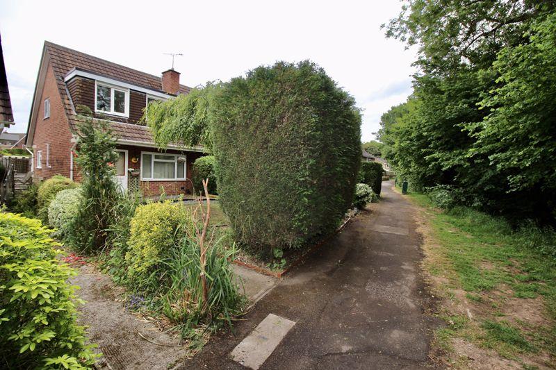 Manor Walk Thornbury