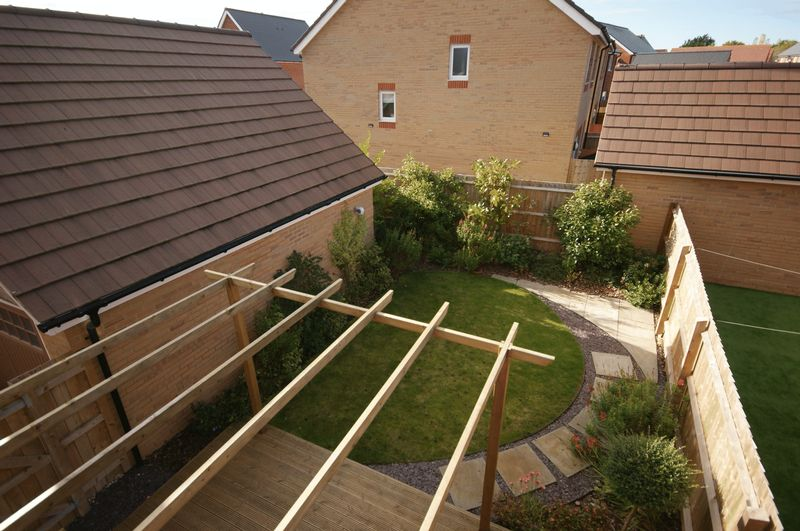 Orchard Place Bathpool