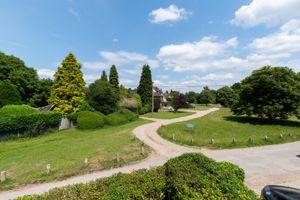 6 Bovingdon Green