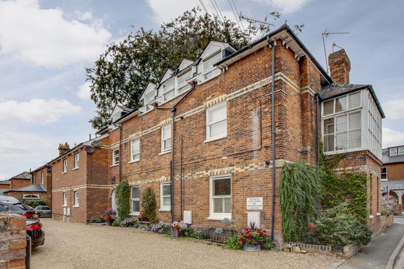 Leighton House Glade Road