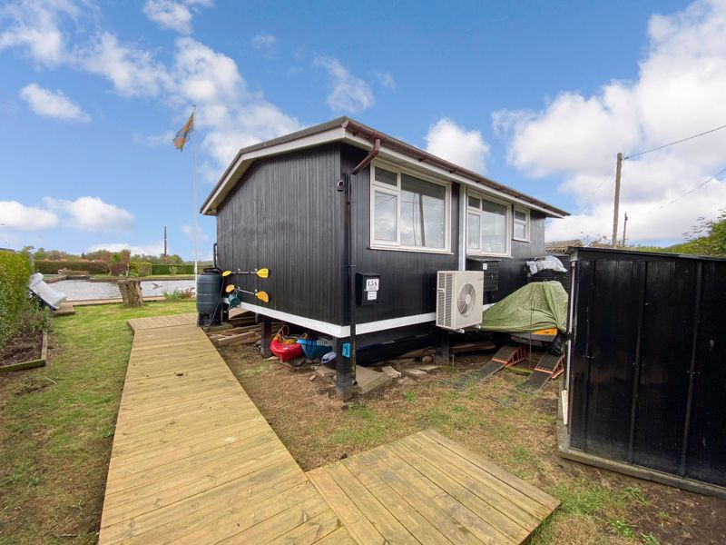 North West Riverbank Potter Heigham