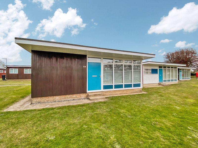 Broadside Chalet Park Stalham