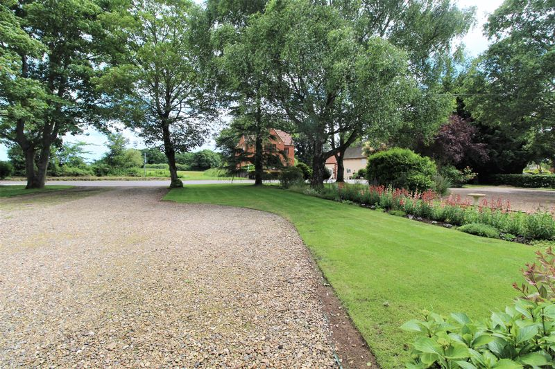 Pond Houses Sutton
