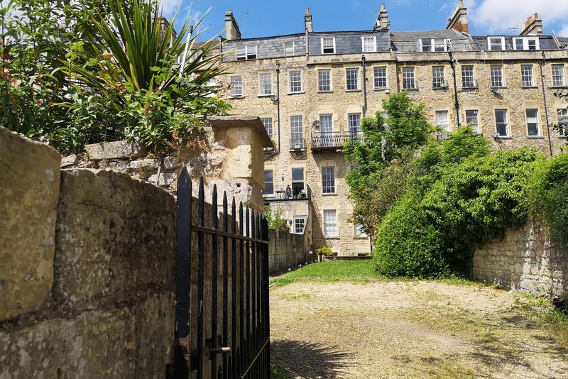 16 Grosvenor Place