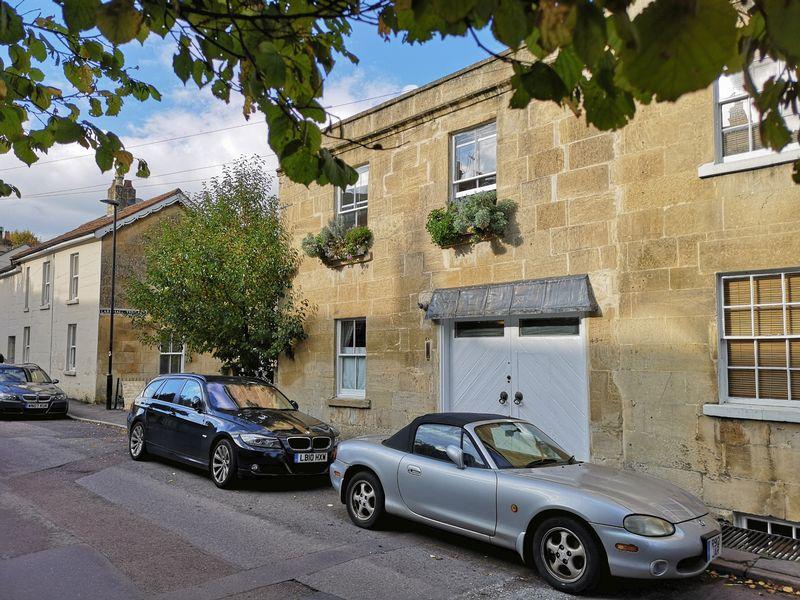 Upper Lambridge Street
