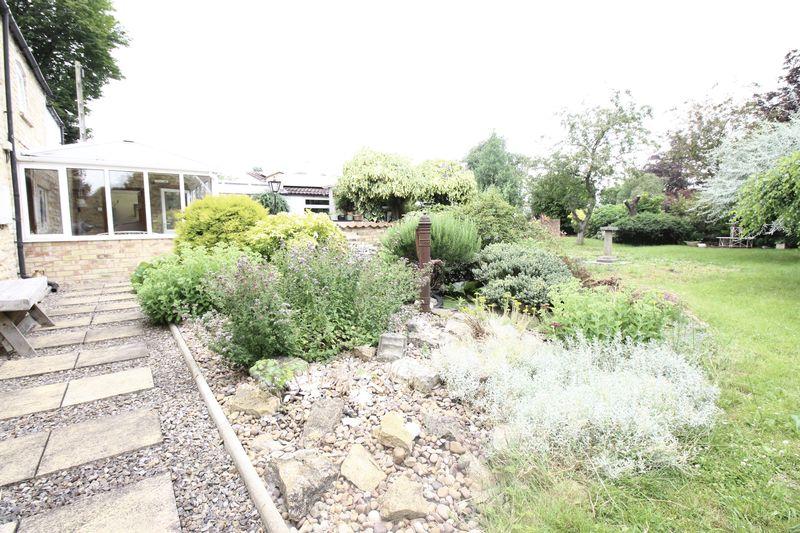 Beautiful Rear Garden
