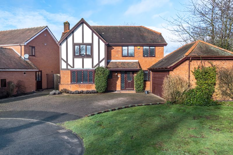 Oakwood Close Shenstone