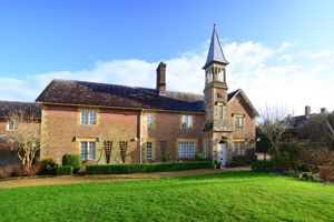 Walpole Court Puddletown