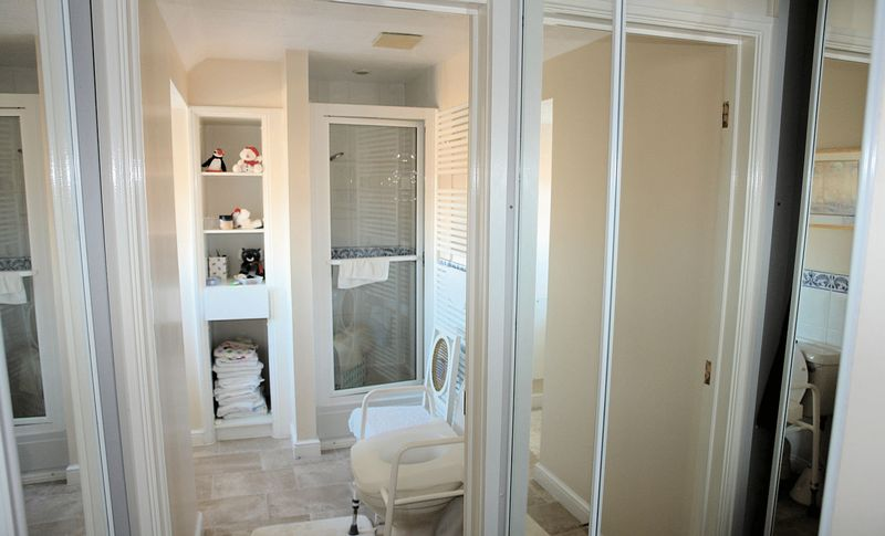 Dressing area and en suite