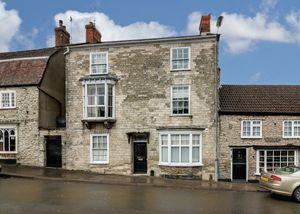 Castle Street Mere