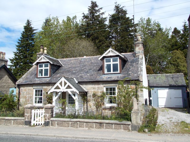 North Deeside Road Kincardine O'neil
