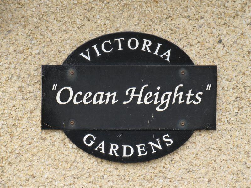 13 Victoria Gardens