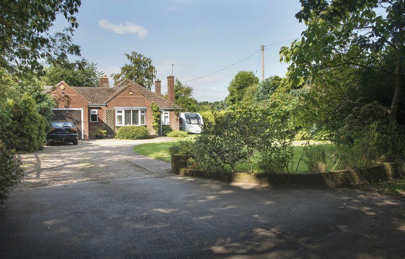 County Lane Iverley