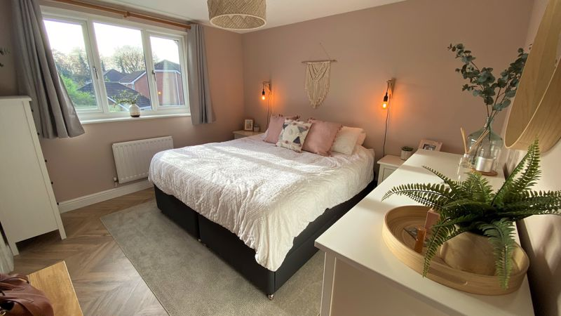 A Elegant Master Bedroom with En-Suite