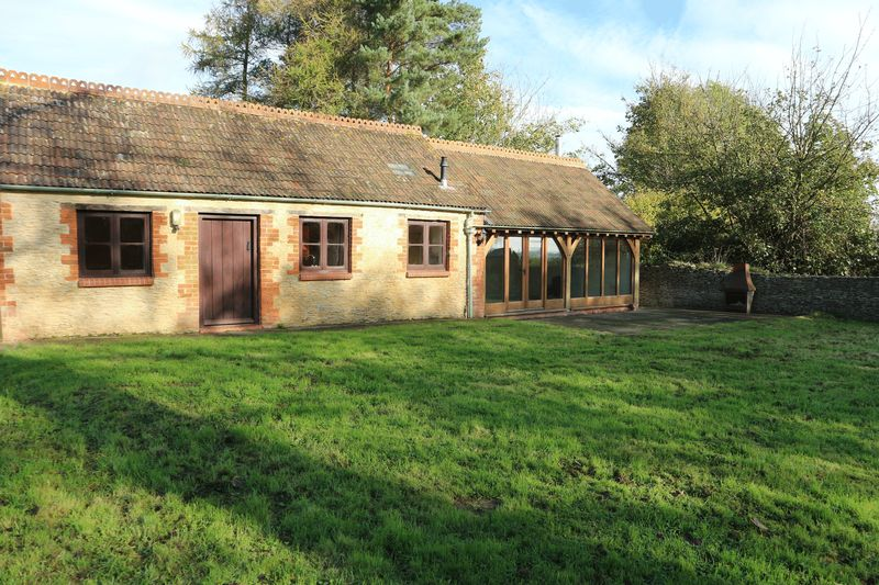 34 Dray Cottage Draycot Cerne
