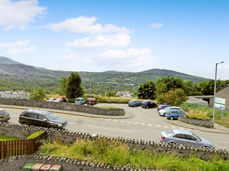 Carneddi Road