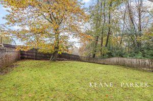 Woodlands End Glenholt