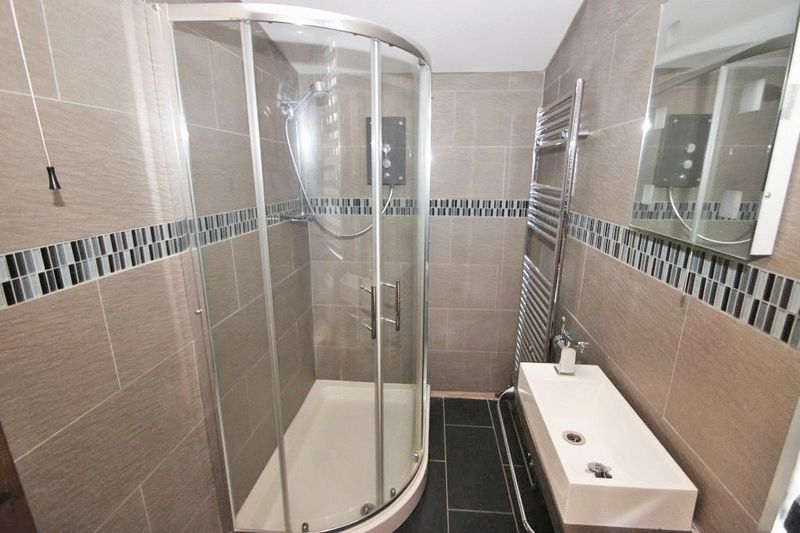 Shower Room photo 1