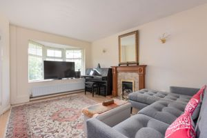 Thorneycroft Close