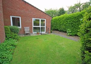 Access to well maintained gardens