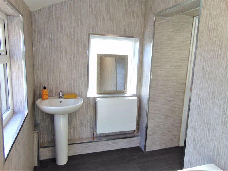 Modern cladded bathroom