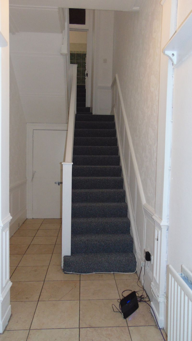 Entrance Hall / Stairs