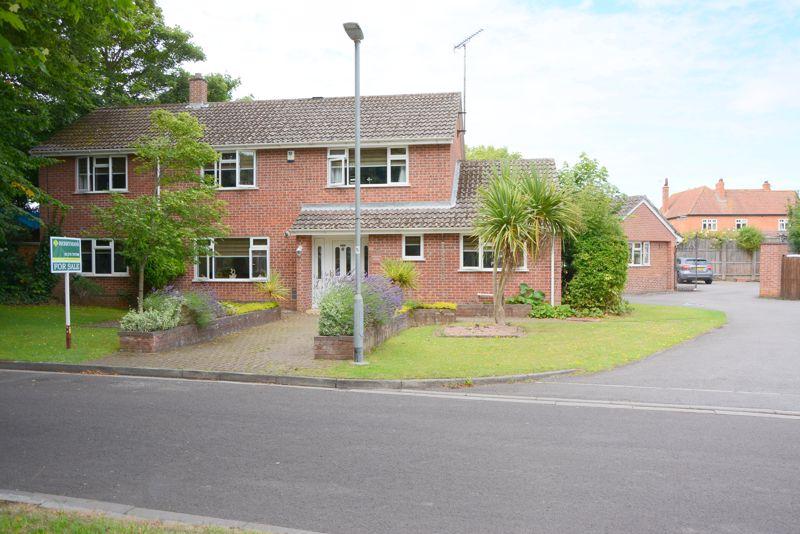 9 Gardenhurst