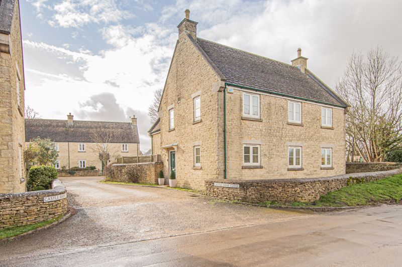 Castle Farm Close Leighterton