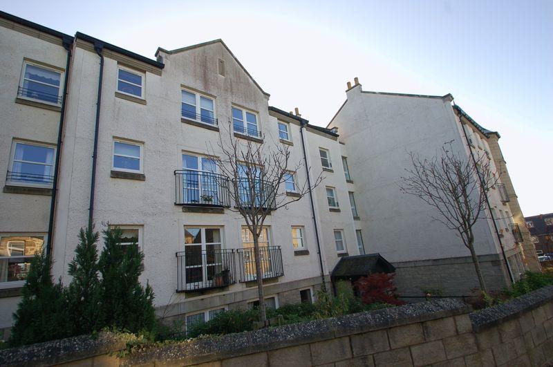 Wallace Court Lanark