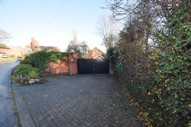 Dundalk Lane Cheslyn Hay