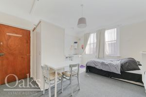 Room6 Kempshott Road Streatham