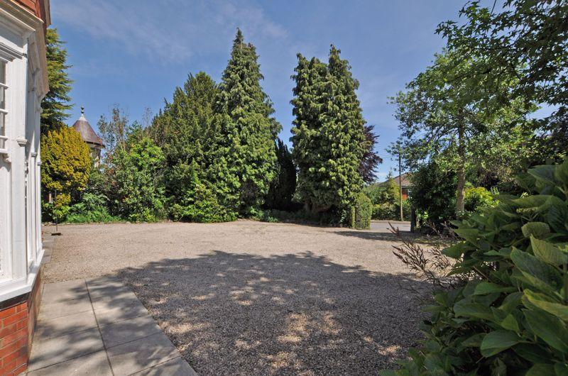Stow Park Circle