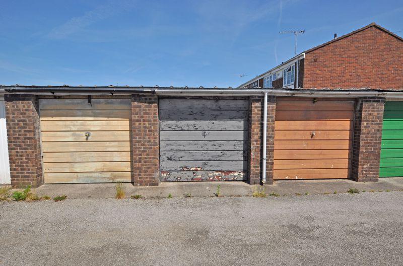 Westmoor Close