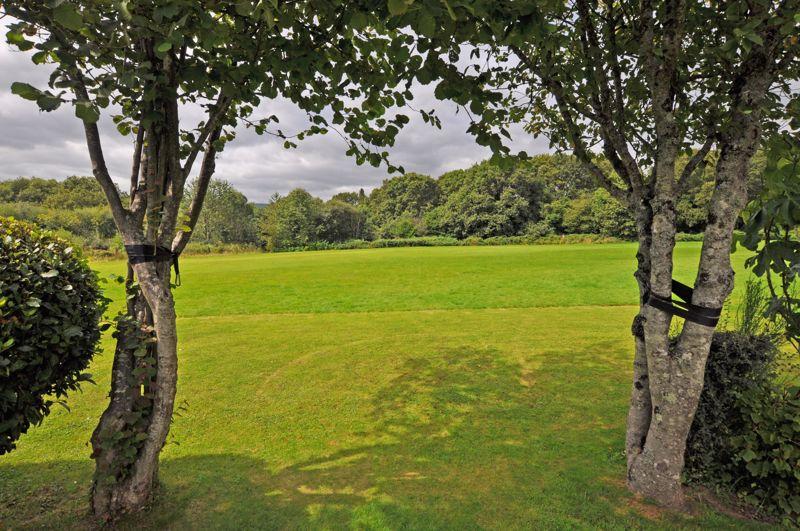 Wood Crescent Rogerstone