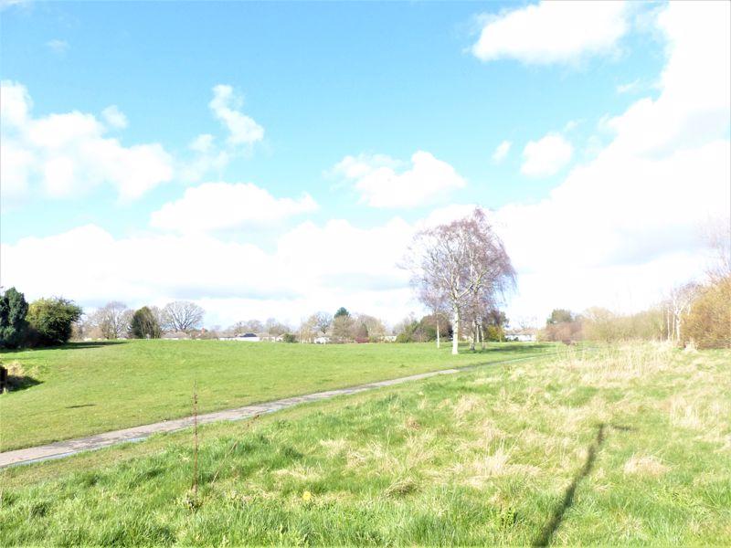 Langley Park Way