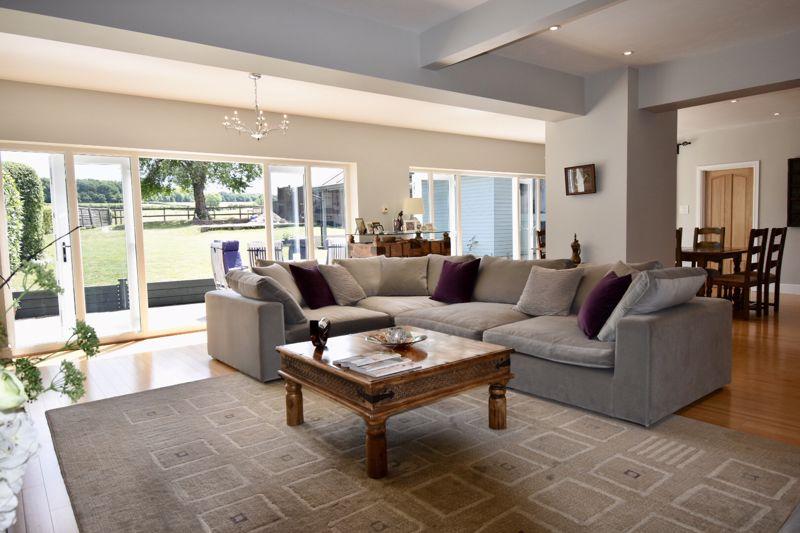 Oakdene Close Bookham