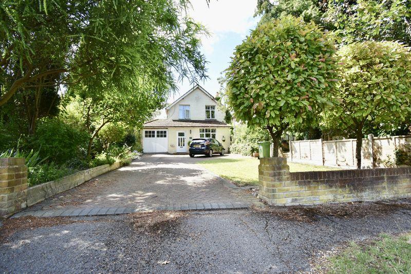 Groveside Bookham
