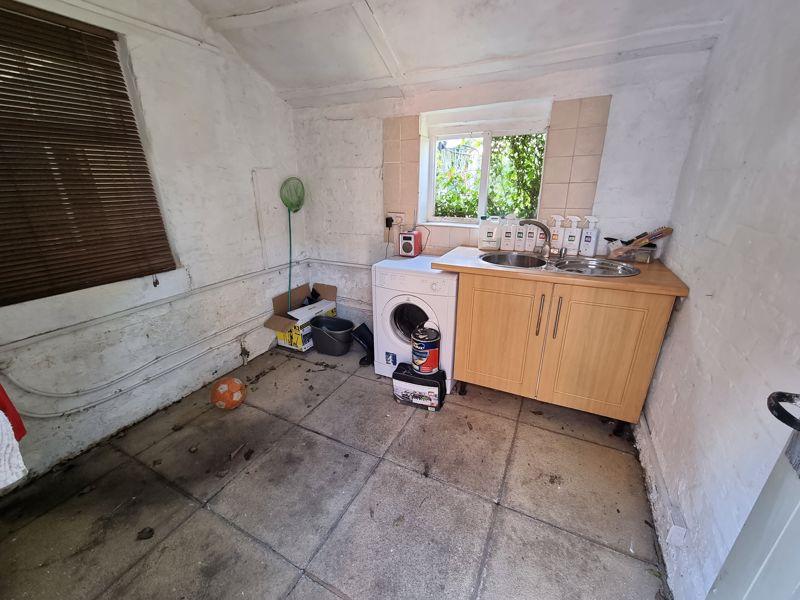 Annex Kitchen / Utility