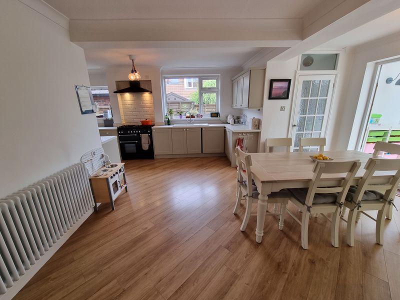 Open Plan Kitchen Breakfast Room