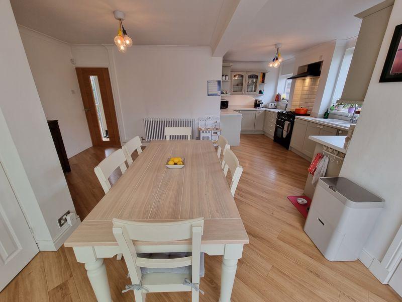 Open Plan Breakfast Room & Kitchen