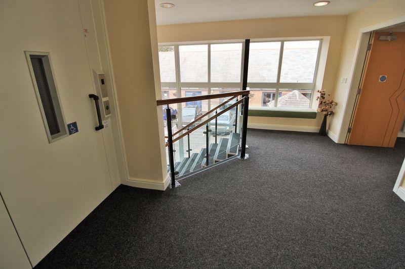 1st Floor Landing & Lift