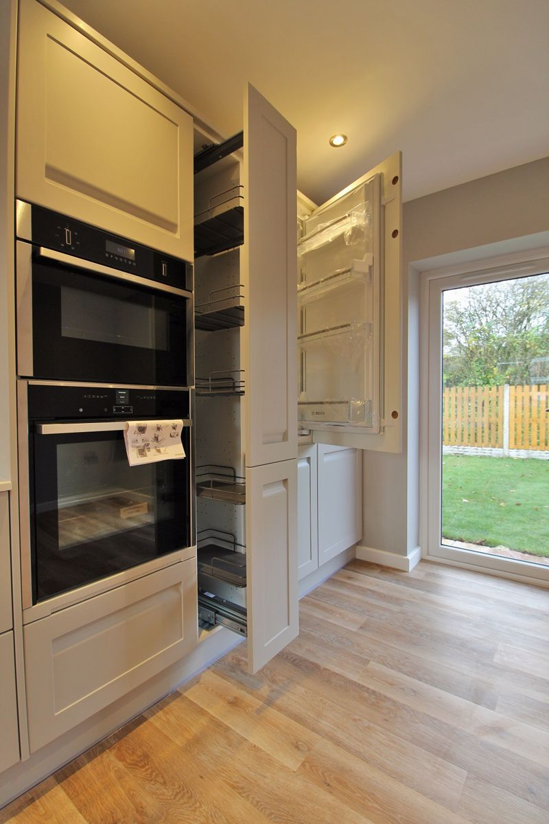 Pull-Out Pantry Unit