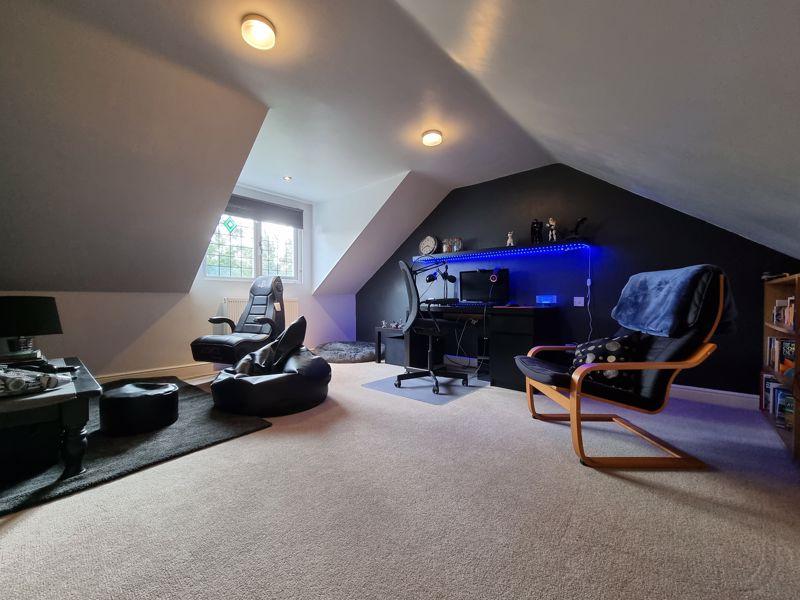 Bedroom Five / 2nd Lounge
