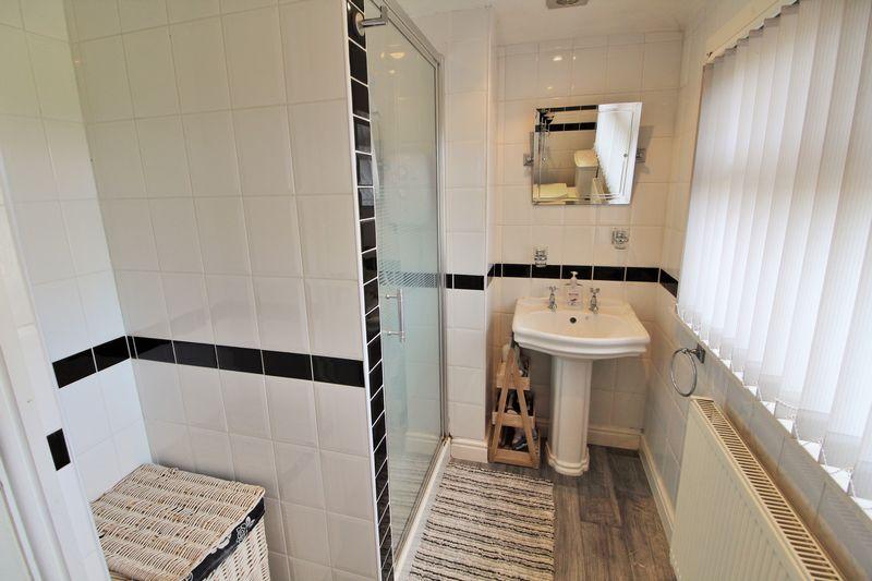 Shower Room (First Floor)