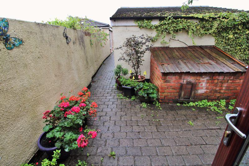 Patio / Courtyard Area