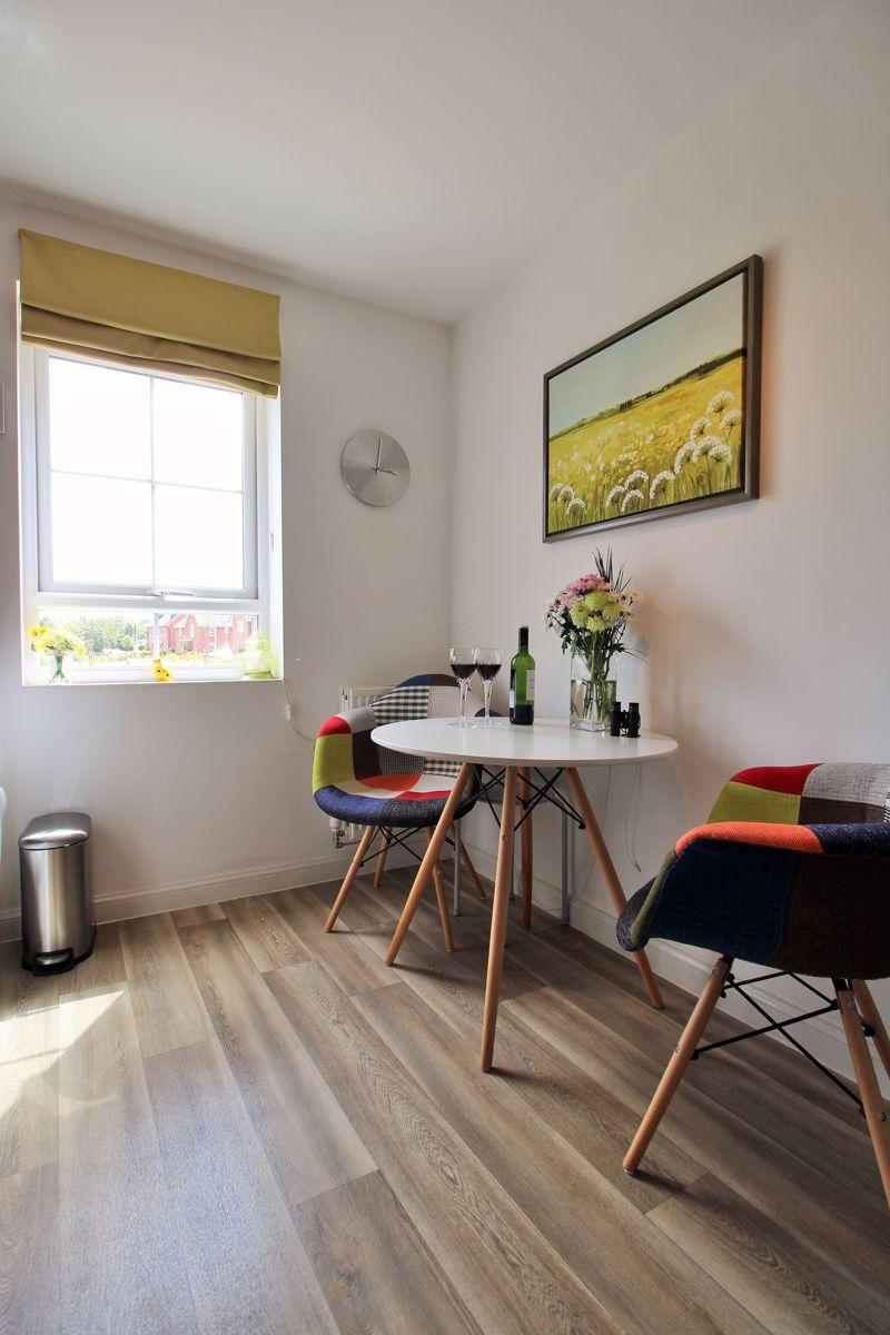 Kitchen - Breakfast Area
