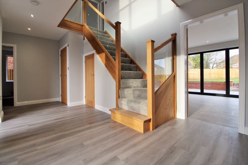 EXAMPLE Entrance Hall & Stairs