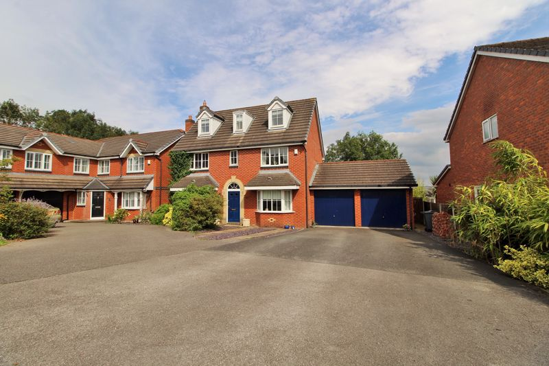 5 Bed 3 Storey House