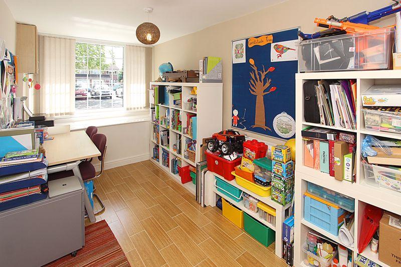 STUDY/DINING/SITTING ROOM
