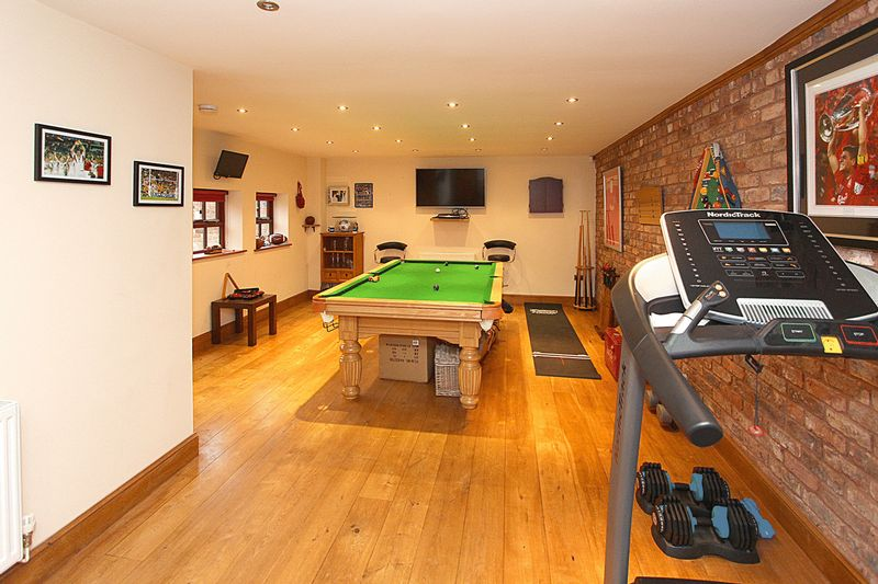 GAMES ROOM/HOME OFFICE/BEDROOM 5